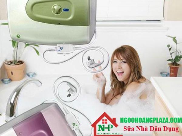 khi dùng máy nước nóng